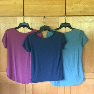 3 Summer T-Shirts. Multicolored Size Small